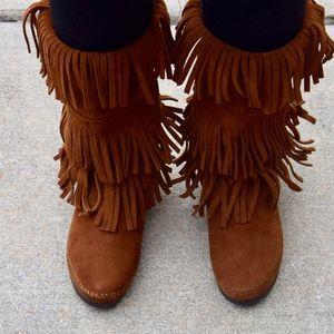 NWOT Minnetonka - Triple Tier Fringe Boots
